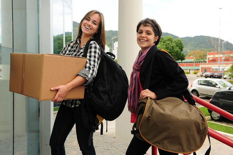 Move in Students