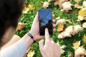 smartphone-app-moving
